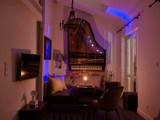 Alicja Piano - Exclusive Apartment with Mariacki View near Wawel, Krakow