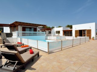 VILLA NENA | Family friendly villa in luxurious Puerto Calero