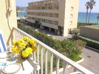 Apartment in the center of Le Lavandou with Lift, Parking, Balcony (103605)