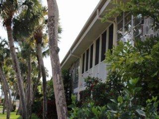 Lido Key 2/2 - Walk to beach and St. Armands Circle, Sarasota