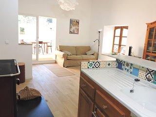 La Petite Maison, Gite ecologique en Larzac Meridional