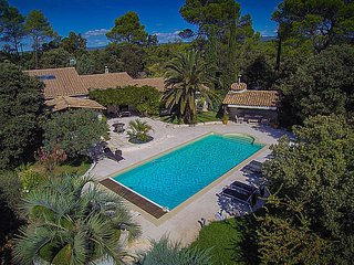 Luxury villa for 6p with private pool in Lorgues, Var center