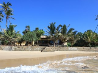 South Point Villa - 3 bedroom  luxury villa on the beach, Pool, Lovely beach Sea