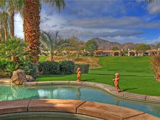 194LQ RANCHO LA QUINTA CC 4 BEDROOM