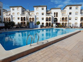 2 Bed apartment in la Zenia close to bars, restaurants and beach