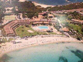 Appartamento terrazzato indipendente con esposizione sul mare e sulla piscina