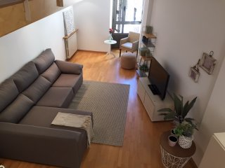 Sleep&Stay- Bright apartment with parking, Girona