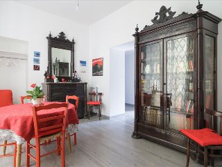 Spacious and bright 200 m2 apartment in the historical centre