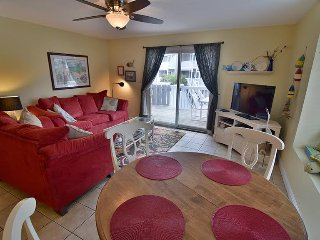 Gulf View End Unit - Pet Friendly - Pools/Tennis & EXTRA's Galore in the Home!