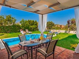 Dream Villa,Private pool,5 min from sandy Beach!!!