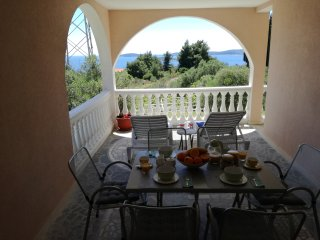 Apartment D&D - Three Bedroom Apartment with Terrace and Partial Sea View