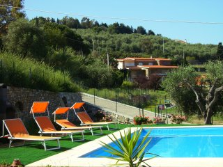 House - 2 km from the beach, Imperia