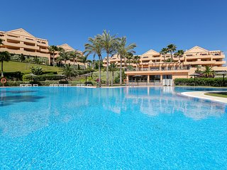Luxury apartment with stunning views Benahavis-Marbella