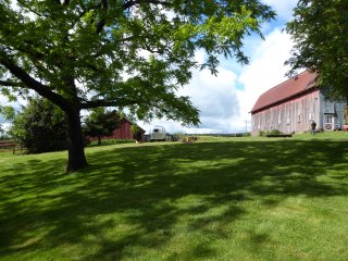 Idyllic Country Property - Expansive Lawns & Gardens- Historic Barn & Horses
