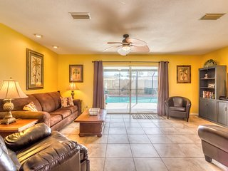 JUNE/JULY $PECIALS - LUXURY VACATION POOL HOME - 3BR/2BA - #352