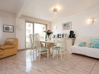 Bougainvillees 2 Bedroom Rental, Located Between the Croisette and Rue d'Antibes