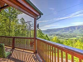 New! 2BR Sevierville Cabin w/ Incredible Mtn. Views