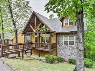 New! 6BR Branson Cabin - Near All Attractions!