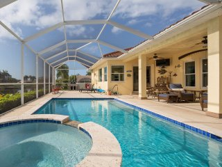 Cape Coral - The Gary - Exclusive SW Cape 3BR+Den/3-BA Canal Home