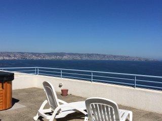 Moderno depto Reñaca, frente al mar , 2 dormitorios