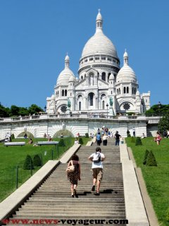 Sacré Coeur is at 1 mn from the apartment