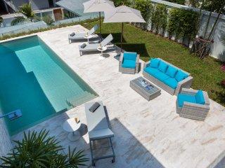 Villa 'Kwai Si Fa' - Stylish Villa with Wonderful Sea Views