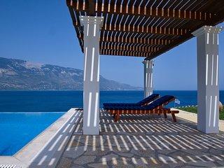 Villa Odysseus, Spartia
