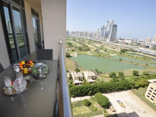 Golf Tower - 2 BD Apt - The Views