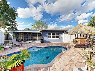 3BR w/ Private Pool, Waterfall, Tiki Bar – Close to Downtown St. Pete, Beach
