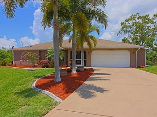 Beautiful 3/2 on canal with access to Charlotte Harbor