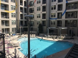 Luxury Corner Unit-Wall of Windows- 2 Bdr 2 Bath-Midtown Nashville-#428