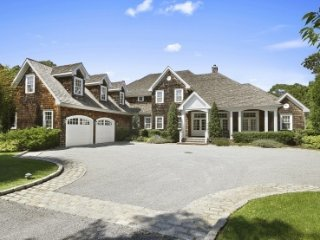 Simon Court, Quogue