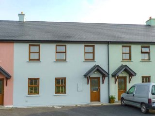 11 COPPERMINES, mid-terrace, en-suite, easy access to coast, in Allihies, Ref