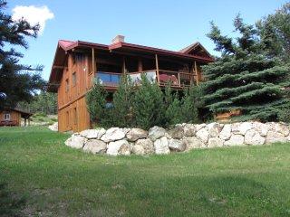 Wood Loft Lodge, Kelowna