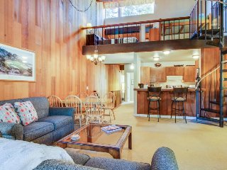 Centrally-located with shared pool - close to the lake and skiing!