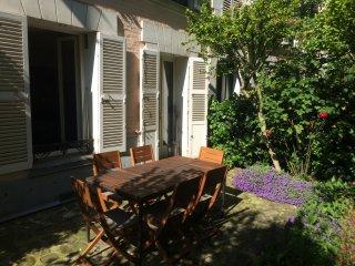 Appartement de charme avec jardin à côté de la Tour Eiffel