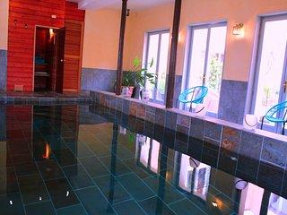 la grenade bleue chambre d'hôte piscine-spa sauna