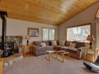 Roomy mountain home w/ shared pool, sauna, hot tub - near golf & the slopes!
