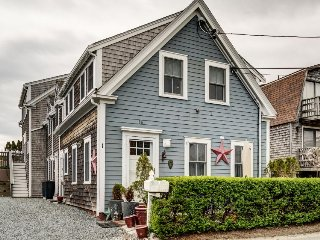 Charming, chic condo in the heart of Provincetown - walk to everything!