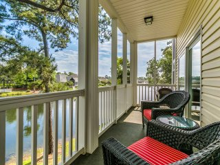 NEW! 3BR North Myrtle Beach Condo - Walk to Beach!