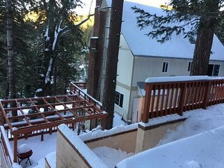 Gorgeous Beauty in Lake Arrowhead YOU COULD BE ON THE LAKE~' beach club PASSES'
