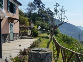 SEA VIEW AND PRIVATE GARDEN NON SOLO MARE VILLA, Monterosso al Mare