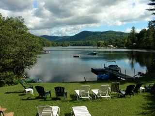 Lakefront vacation home - 4 BR - sleeps 10