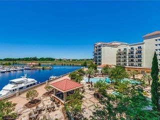 Marina Inn 7301 - Luxury Waterfront!