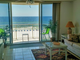 OCEANFRONT!!! 65' HD TV, Wifi, Netflix and View!