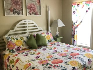 Best Deal for 2/2 bed/bath w wi-fi! Amenities!