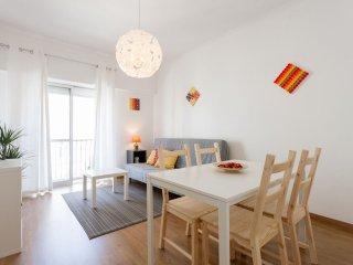 Bright Marquês apartment in Marquês Pombal with WiFi & lift.