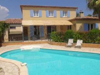4 bedroom Villa in Saint-Cyr-sur-Mer, Provence-Alpes-Cote d'Azur, France : ref 5