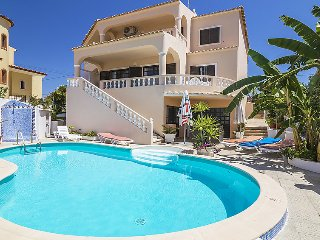4 bedroom Villa in Armacao de Pera, Faro, Portugal : ref 5036147