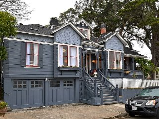 3749 Victorian Sanctuary by the Sea - Updated,Spacious, Close to Town & Beach, Pacific Grove